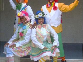 pro-looking-clowns